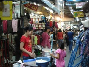 pratunam market was hot, stifling, unclean but totally worth it